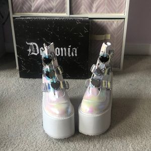 Demonia Low Trinity Pearlescent boots size 9